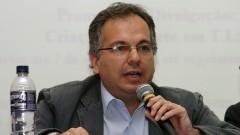 Palestra de Luiz Costa Pereira Jr no Seminário Filosofia e Educação_ Universidade. Foto: Cecília Bastos/Jornal da USP