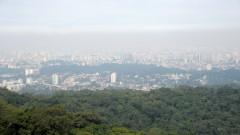 Trilha do Núcleo Pedra Grande do Parque Estadual da Cantareira e mirante da cidade de São Paulo . foto Cecília Bastos