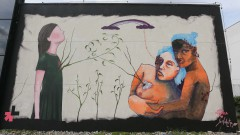 Ju Violeta e Mag Magrela fazem pintura, a convite da ONU Mulheres, painel na Semana de arte HeForShe no Espaço das Artes, atigo prédio do MAC na cidade Universitária. 2017/03/08 Foto: Marcos Santos/USP Imagens