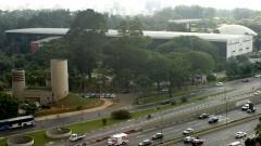 Av. 23 de maio e ao fundo prédio da Bienal, onde está instalado o MAC USP, no Parque Ibirapuera. Foto: Cecilia Bastos/Jornal da USP