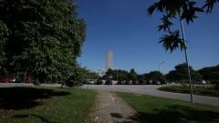 Detalhe de vista da torre da Praça do Relógio com o prédio da Reitoria ao fundo. Foto: Marcos Santos/USP Imagens