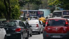 Trânsito na Av. Francismo Morato. foto Cecília Bastos