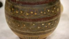 Vasos gregos encontrados na peninsula itálica no estilo geométrico, do acervo MAE-USP. foto: Cecília Bastos/Usp Imagem