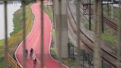 Ciclistas na ciclovia da Margina do Pinheiros. Foto: Marcos Santos/USP Imagens