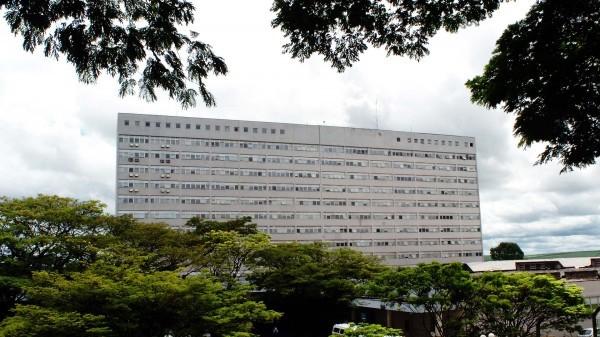 Fachada do prédio do Hospital das Clínicas da Faculdade de Medicina de Ribeirão Preto da Universidade de São Paulo (HCRP – USP), localizada na cidade de Ribeirão Preto, no interior do estado de São Paulo. Foto: Marcos Santos.